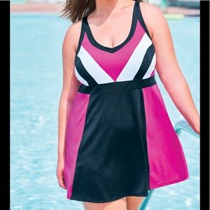Swimsuits For All NWT Colorblock Swimdress, 26